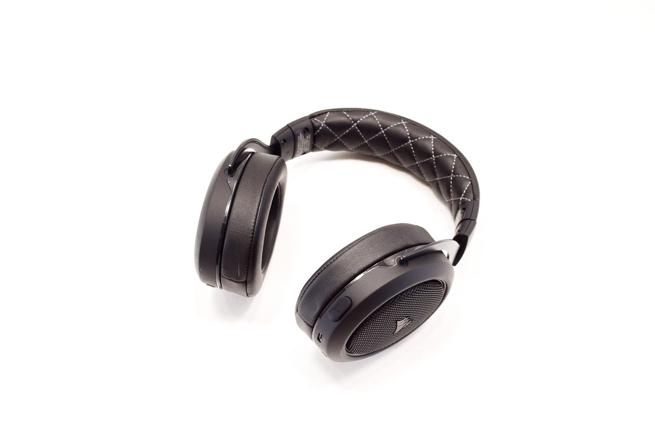 CORSAIR HS70 Wireless Gaming Headset With 7 1 Surround Sound