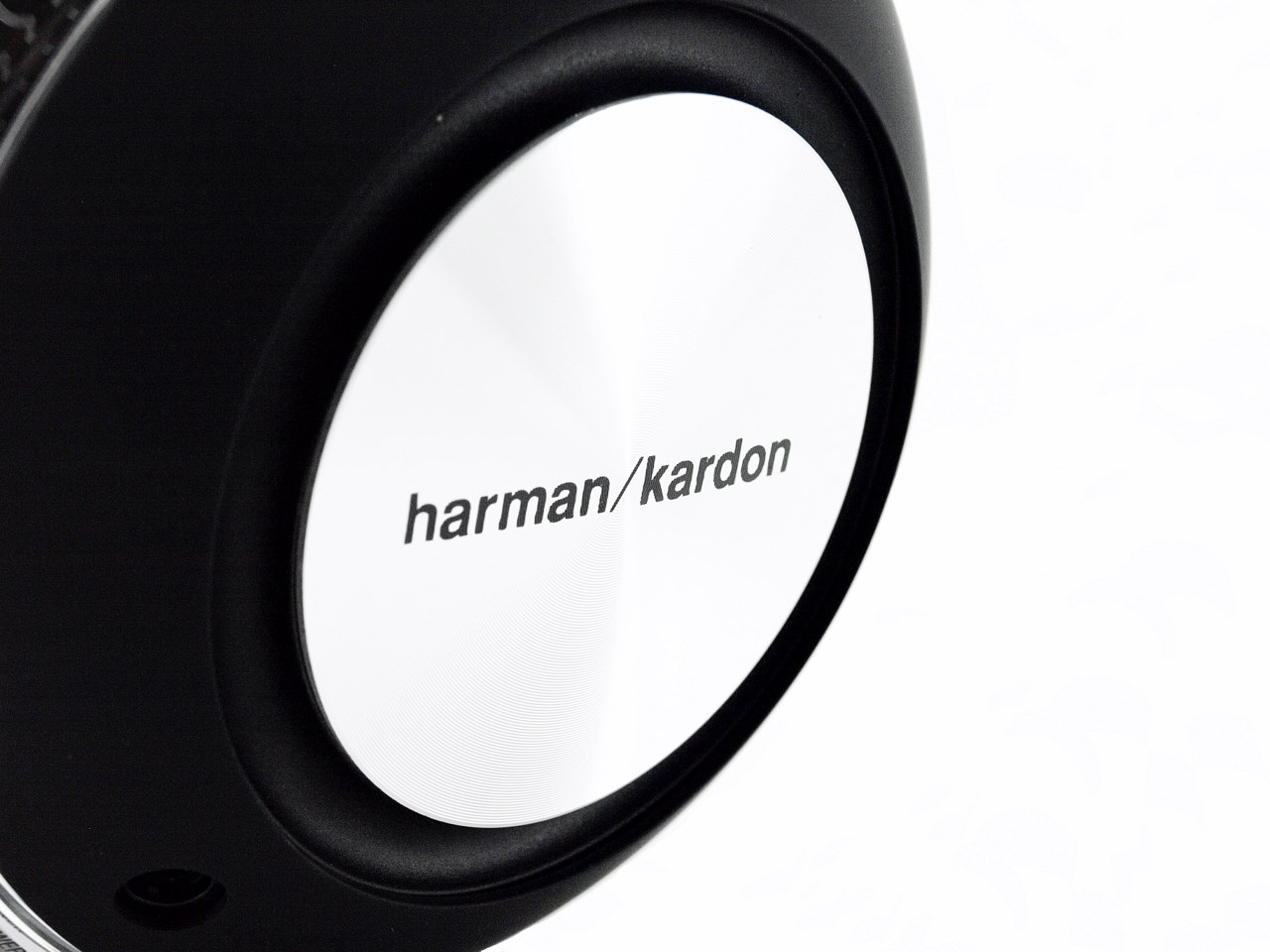 Nikktech Harman Kardon Nova Wireless Stereo Speaker System Review 1 Us Blaster Products Car Audio Wiring Kits Usb 6128 16t